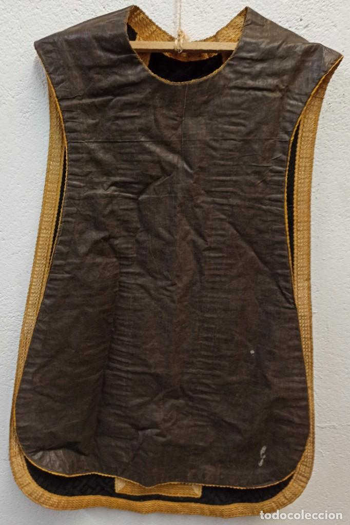 Antigüedades: Bella casulla negra con estola a juego. A1 - Foto 6 - 210029260