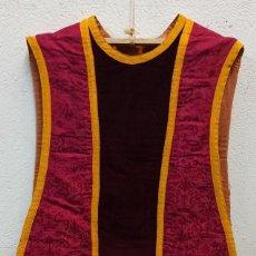 Antigüedades: BELLA CASULLA MORADA NEGRA. A1. Lote 210029752
