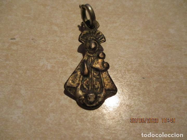 MEDALLA DE PLATA DE NUESTRA SEÑORA DE NIEVA S. XVIII (Antigüedades - Religiosas - Medallas Antiguas)