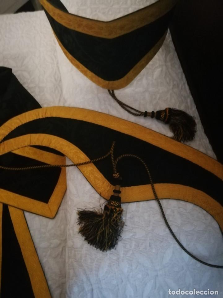 Antigüedades: PAREJA DE DALMATICAS NEGRAS CON COLLARINES - Foto 12 - 210042091