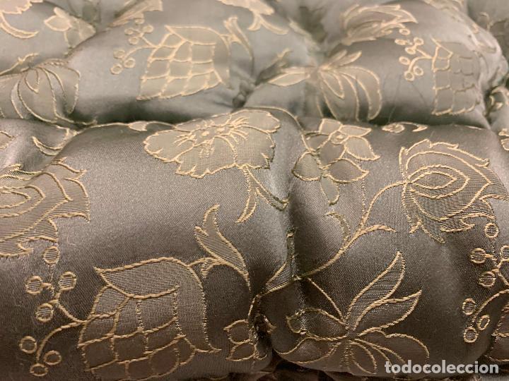 Antigüedades: Extraordinaria colcha antigua adamascada, ideal tambien para alfombra de juegos... Impecable - Foto 7 - 210042896