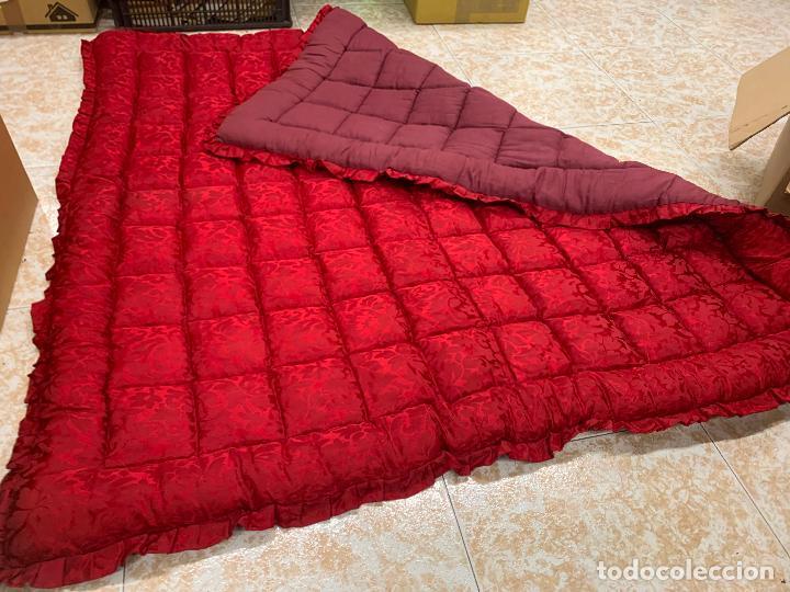 Antigüedades: Extraordinaria colcha antigua adamascada, ideal tambien para alfombra de juegos... Impecable - Foto 2 - 210047150