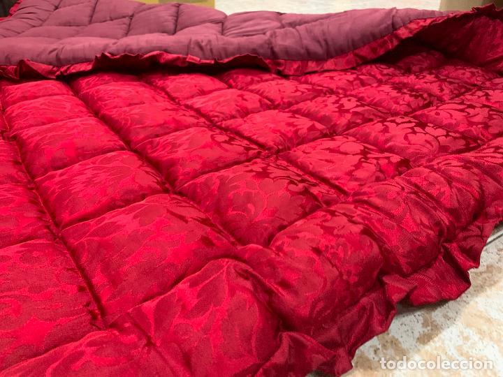 Antigüedades: Extraordinaria colcha antigua adamascada, ideal tambien para alfombra de juegos... Impecable - Foto 5 - 210047150