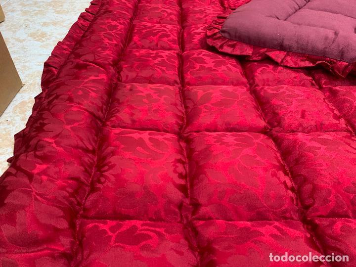 Antigüedades: Extraordinaria colcha antigua adamascada, ideal tambien para alfombra de juegos... Impecable - Foto 6 - 210047150