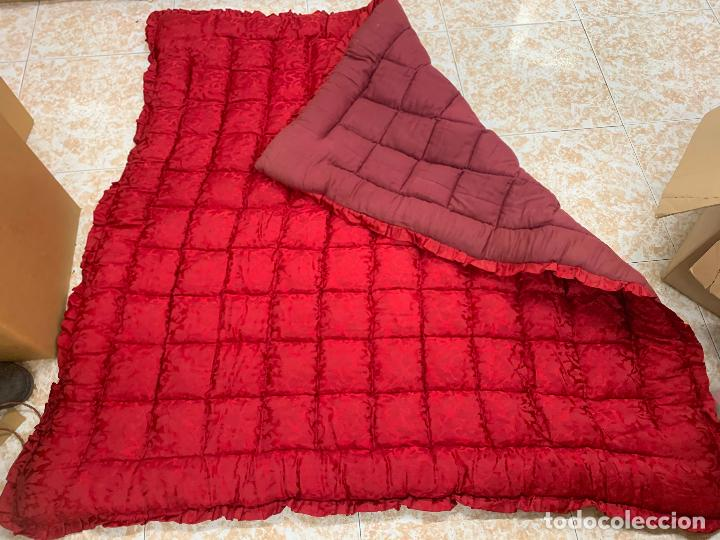 Antigüedades: Extraordinaria colcha antigua adamascada, ideal tambien para alfombra de juegos... Impecable - Foto 6 - 210047996