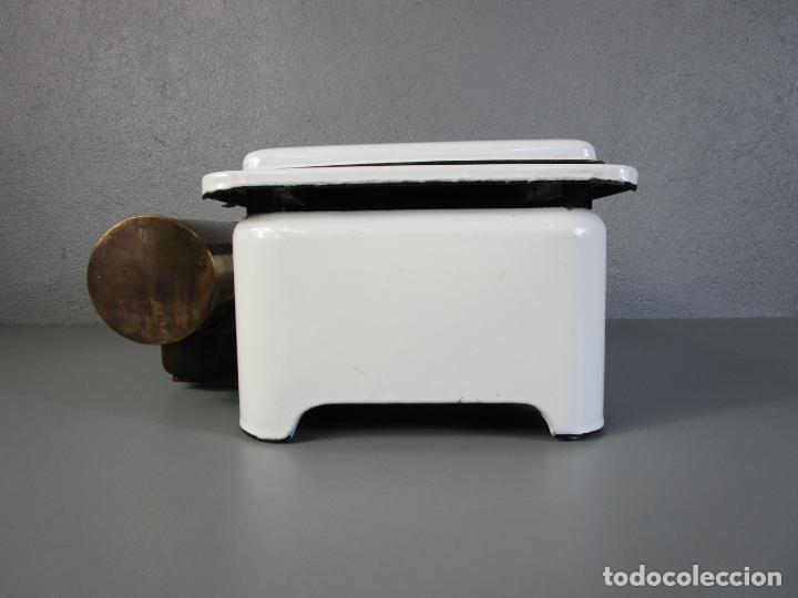 Antigüedades: Hornillo de Petróleo - Marca Irum, Mod B - Cocina Económica - con Instrucciones - Años 40-50 - Foto 2 - 210095615