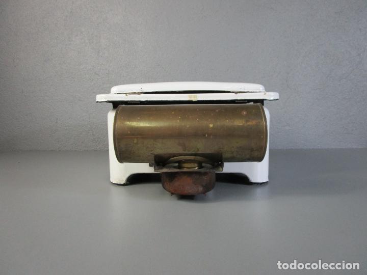 Antigüedades: Hornillo de Petróleo - Marca Irum, Mod B - Cocina Económica - con Instrucciones - Años 40-50 - Foto 3 - 210095615