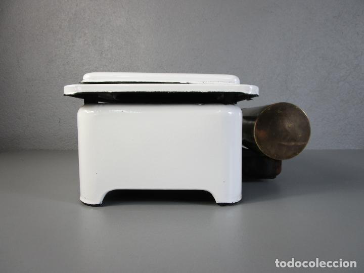 Antigüedades: Hornillo de Petróleo - Marca Irum, Mod B - Cocina Económica - con Instrucciones - Años 40-50 - Foto 4 - 210095615