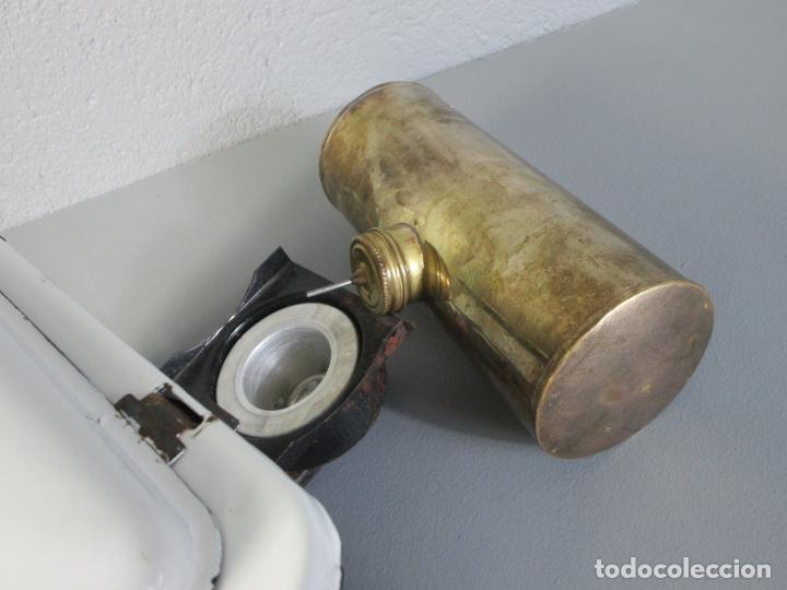 Antigüedades: Hornillo de Petróleo - Marca Irum, Mod B - Cocina Económica - con Instrucciones - Años 40-50 - Foto 6 - 210095615