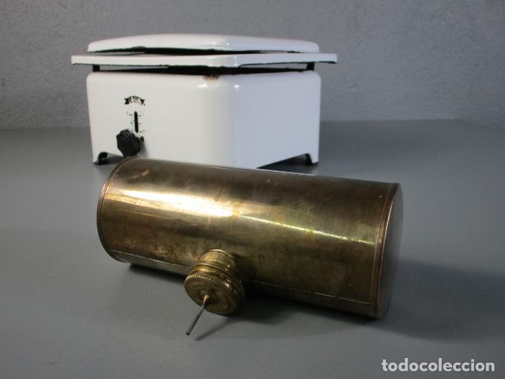 Antigüedades: Hornillo de Petróleo - Marca Irum, Mod B - Cocina Económica - con Instrucciones - Años 40-50 - Foto 8 - 210095615