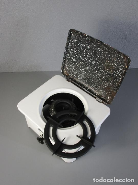 Antigüedades: Hornillo de Petróleo - Marca Irum, Mod B - Cocina Económica - con Instrucciones - Años 40-50 - Foto 12 - 210095615