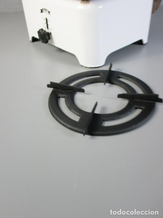 Antigüedades: Hornillo de Petróleo - Marca Irum, Mod B - Cocina Económica - con Instrucciones - Años 40-50 - Foto 13 - 210095615