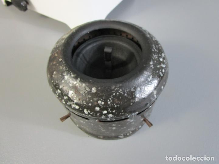 Antigüedades: Hornillo de Petróleo - Marca Irum, Mod B - Cocina Económica - con Instrucciones - Años 40-50 - Foto 17 - 210095615