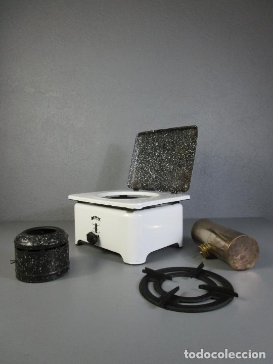 Antigüedades: Hornillo de Petróleo - Marca Irum, Mod B - Cocina Económica - con Instrucciones - Años 40-50 - Foto 19 - 210095615
