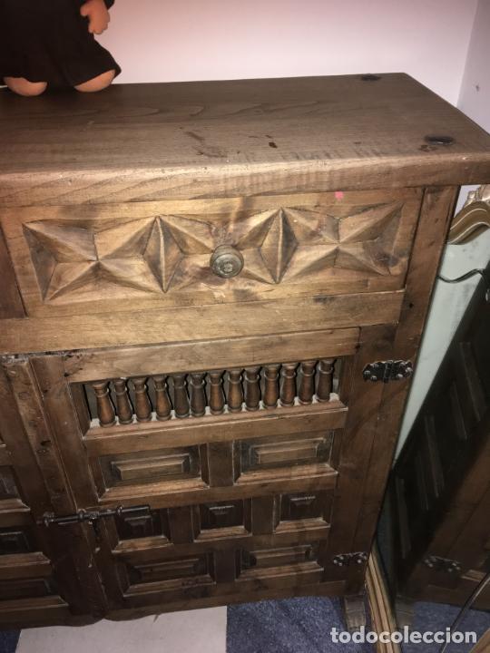 Antigüedades: Mueble de entrada estilo castellano madera maciza. mide 110 x 97 x 34. bien conservado - Foto 3 - 210099892