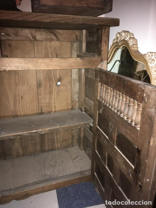 Antigüedades: Mueble de entrada estilo castellano madera maciza. mide 110 x 97 x 34. bien conservado - Foto 6 - 210099892
