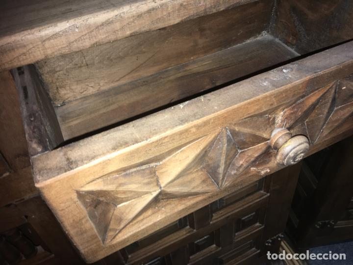 Antigüedades: Mueble de entrada estilo castellano madera maciza. mide 110 x 97 x 34. bien conservado - Foto 7 - 210099892