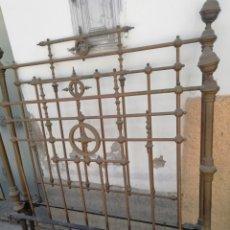 Antigüedades: ANTIGUA CAMA DORADA DE 140. Lote 210111475