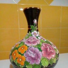 Antigüedades: PRECIOSO FLORERO DE CERAMICA. Lote 210112970