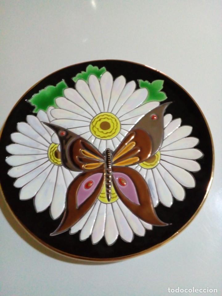 Antigüedades: bonito plato con relieve - Foto 3 - 210117311