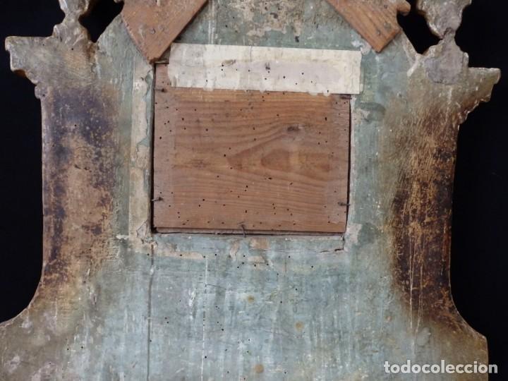 Antigüedades: Importante sacra-porta relicarios, elaborada en madera tallada. Pps. S. XVIII. Mide 64 cm de altura. - Foto 16 - 210151583