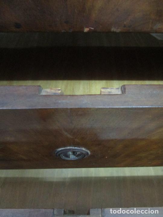 Antigüedades: Decorativa Cómoda Escritorio Isabelina - Madera de Caoba - S. XIX - Foto 16 - 210189681