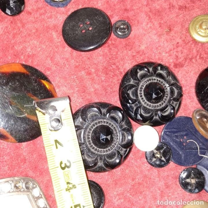 Antigüedades: LOTE DE BOTONES. DIVERSOS MATERIALES. ESPAÑA. SIGLO XIX-XX - Foto 9 - 210189682