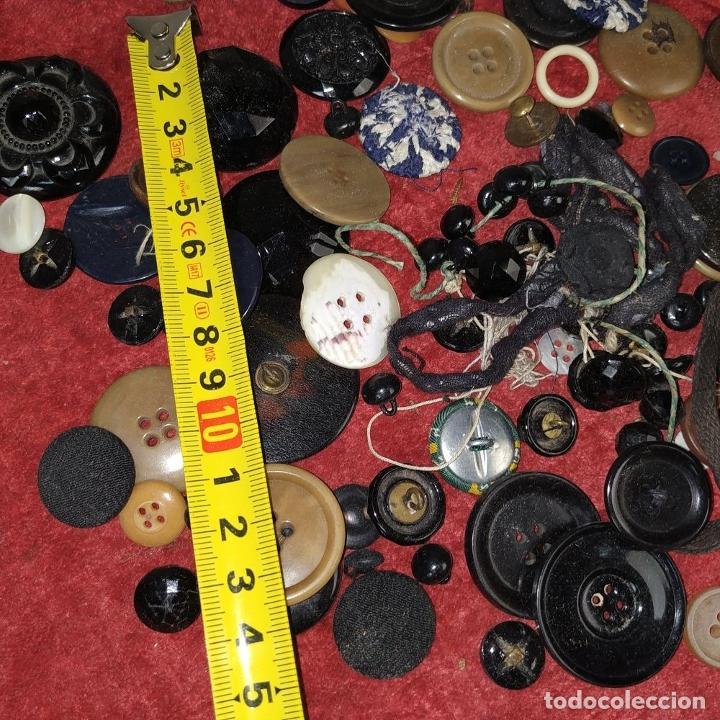 Antigüedades: LOTE DE BOTONES. DIVERSOS MATERIALES. ESPAÑA. SIGLO XIX-XX - Foto 11 - 210189682