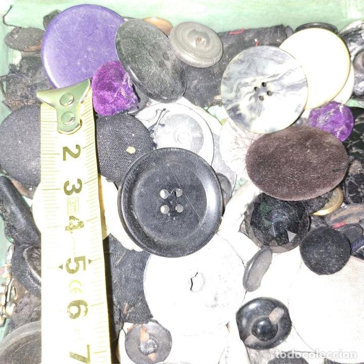 Antigüedades: LOTE DE BOTONES. DIVERSOS MATERIALES. ESPAÑA. SIGLO XIX-XX - Foto 15 - 210189682