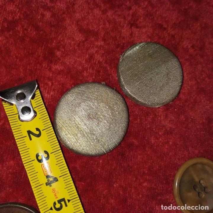 Antigüedades: LOTE DE BOTONES. DIVERSOS MATERIALES. ESPAÑA. SIGLO XIX-XX - Foto 17 - 210189682