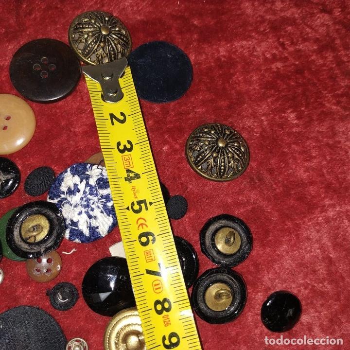 Antigüedades: LOTE DE BOTONES. DIVERSOS MATERIALES. ESPAÑA. SIGLO XIX-XX - Foto 19 - 210189682