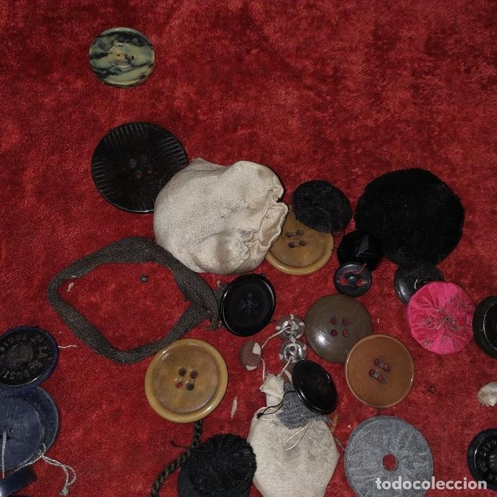 Antigüedades: LOTE DE BOTONES. DIVERSOS MATERIALES. ESPAÑA. SIGLO XIX-XX - Foto 21 - 210189682