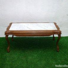 Antigüedades: MESA CENTRO DE SOFÁ DE MADERA Y MARMOL.41 X 93 X 45 CM.. Lote 210258000