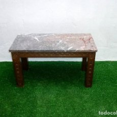 Antigüedades: MESA BAJA DE SOFÁ DE MADERA Y MARMOL.44 X 80 X 40 CM.. Lote 210258021