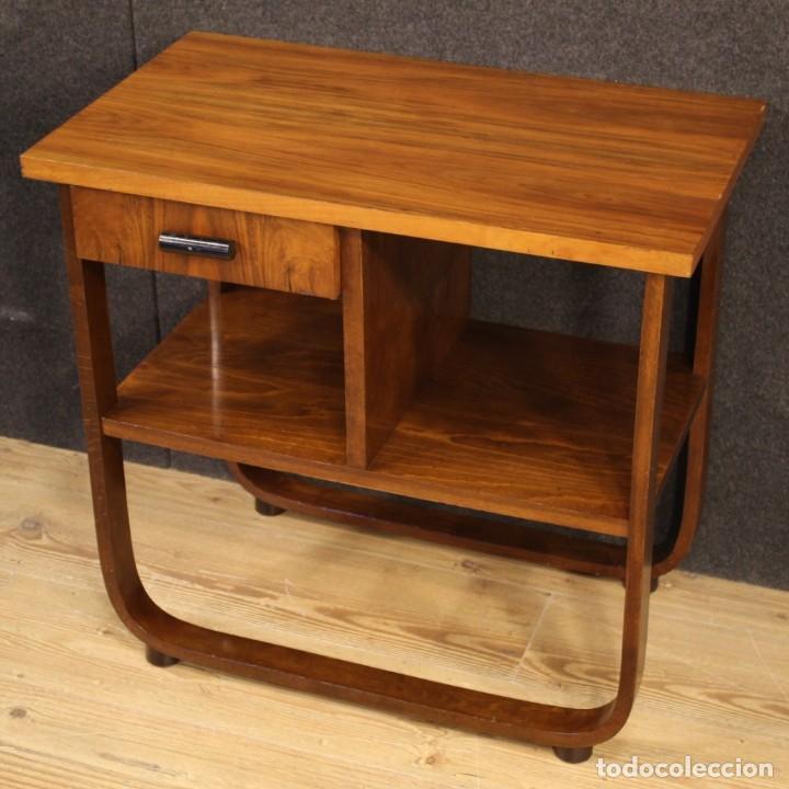 Antigüedades: Mesa auxiliar de diseño italiano en madera de nogal, haya y ebonizada. - Foto 3 - 210270495
