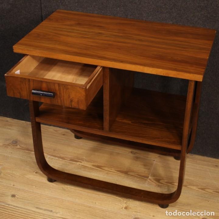 Antigüedades: Mesa auxiliar de diseño italiano en madera de nogal, haya y ebonizada. - Foto 5 - 210270495