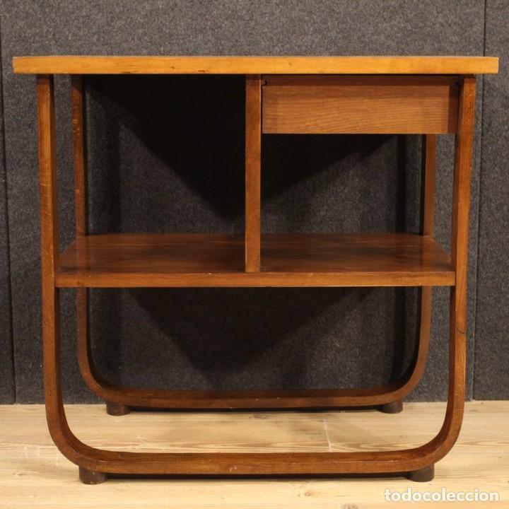 Antigüedades: Mesa auxiliar de diseño italiano en madera de nogal, haya y ebonizada. - Foto 7 - 210270495