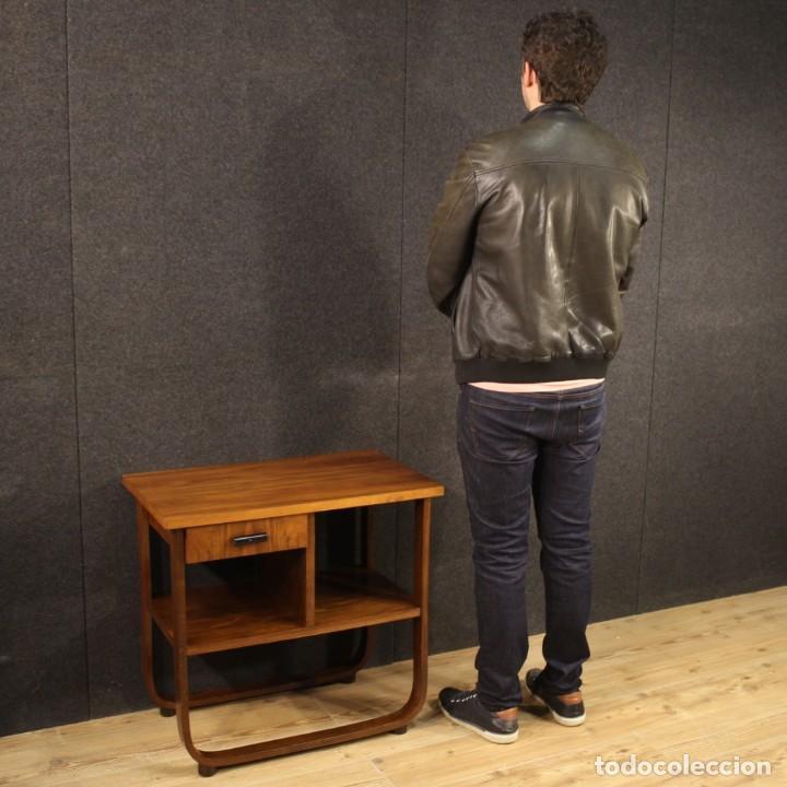Antigüedades: Mesa auxiliar de diseño italiano en madera de nogal, haya y ebonizada. - Foto 12 - 210270495