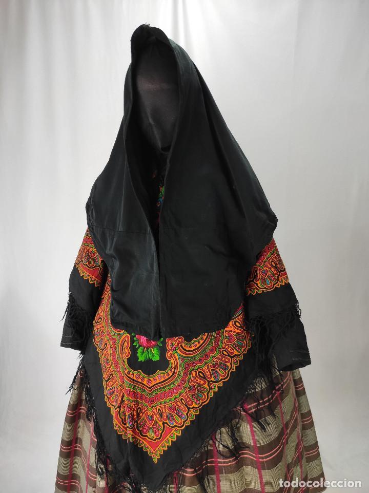 ANTIGUA MANTELLINA DE DIARIO (Antigüedades - Moda - Mantillas)