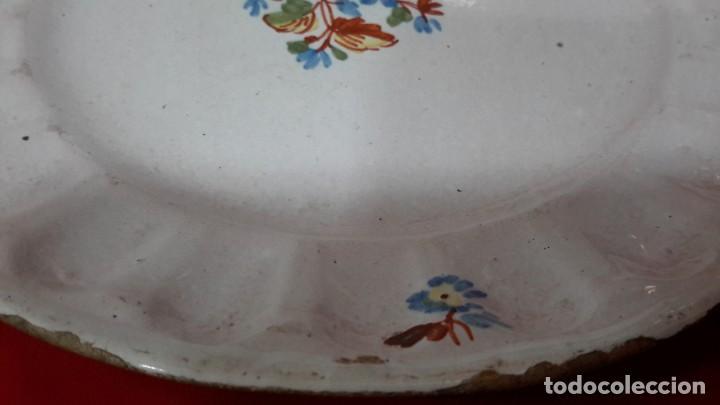 Antigüedades: S.XVIII. PLATO ALCOREÑO. SERIE DEL RAMITO. 21 CM. - Foto 5 - 210305353