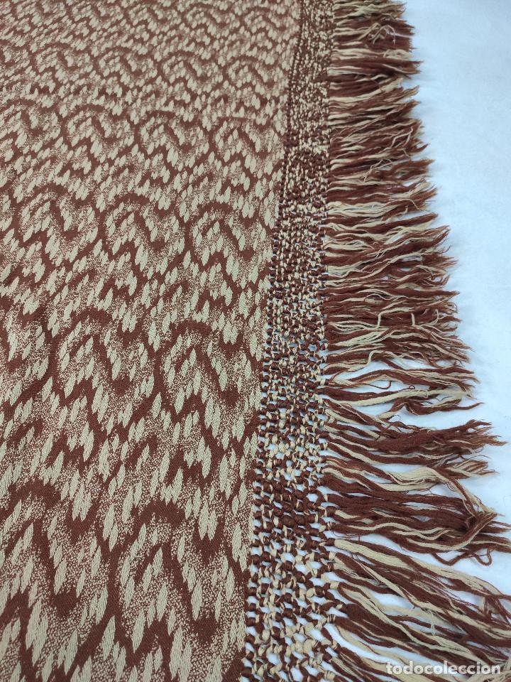 Antigüedades: Antiguo mantón de lana en tonos marrón y crema - Foto 3 - 210306928