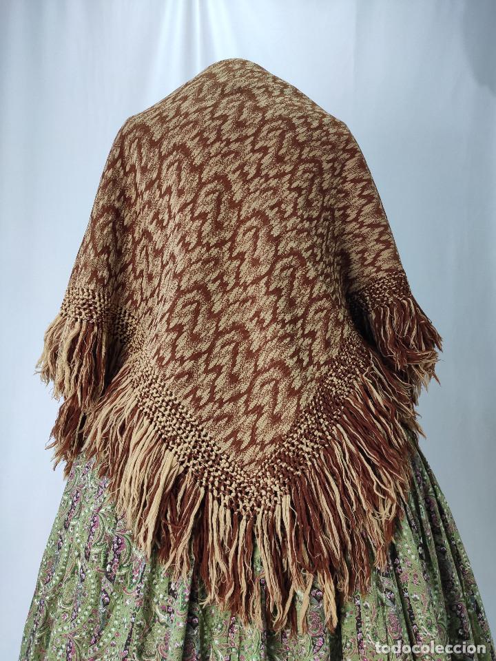 Antigüedades: Antiguo mantón de lana en tonos marrón y crema - Foto 6 - 210306928