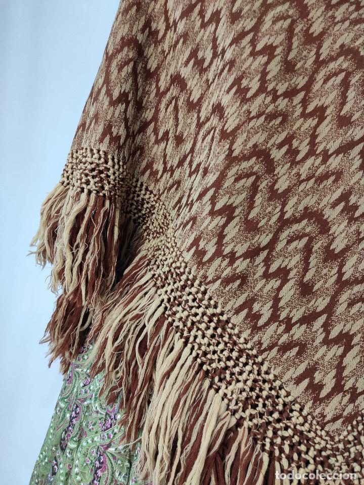 Antigüedades: Antiguo mantón de lana en tonos marrón y crema - Foto 7 - 210306928