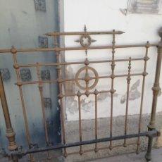 Antigüedades: ANTIGUO CABECERO DORADO DE 140. Lote 210325286