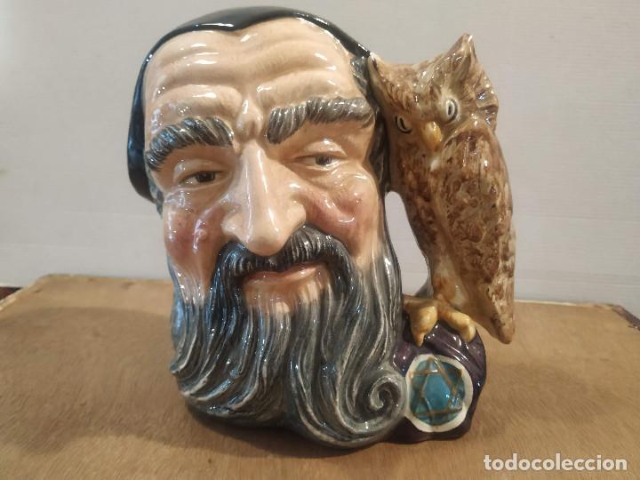 JARRA ROYAL DOULTON - MERLIN (Antigüedades - Porcelanas y Cerámicas - Inglesa, Bristol y Otros)