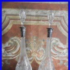 Antigüedades: PAREJA DE BOTELLAS LICORERAS DE CRISTAL CON EL CUELLO DE PLATA 916. Lote 210355270