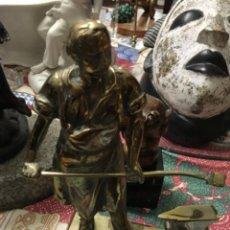 Antigüedades: FIGURA BRONCE HERRERO. Lote 210378756