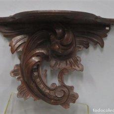 Antigüedades: ANTIGUA MENSULA DE MADERA TALLADA. SIGUIENDO MODELOS ROCOCOS. CA.1890. Lote 210387975