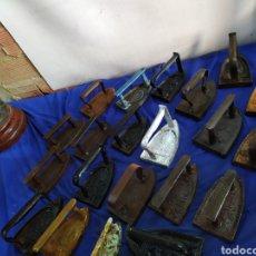 Antigüedades: LOTAZO DE 21 PLANCHAS DE HIERRO FORJADO SIGLO XIX. Lote 210397197