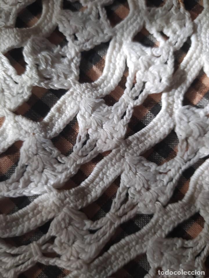 Antigüedades: TAPETE DE HILO HECHO A MANO - Foto 4 - 205584403